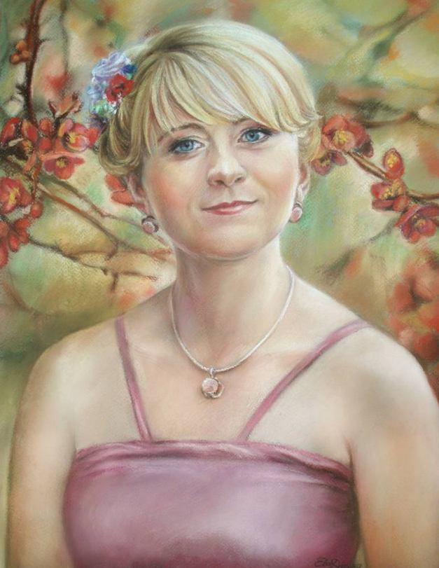 Надежда Кистанова. Девушка с цветами в волосах