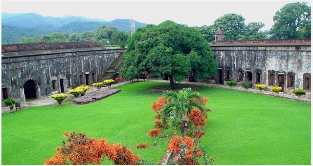 Крепость музей Сан-Фернандо (Museo de la Fortaleza de San Fernando de Omoa) имеет богатую историю.